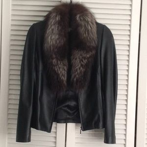 Black leather jacket with fox collar detachable.